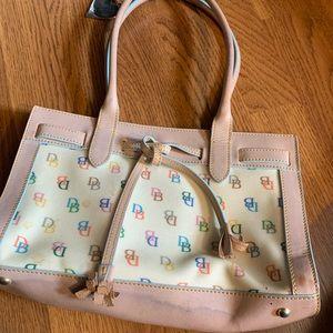 Dooney and Bourke classic logo handbag